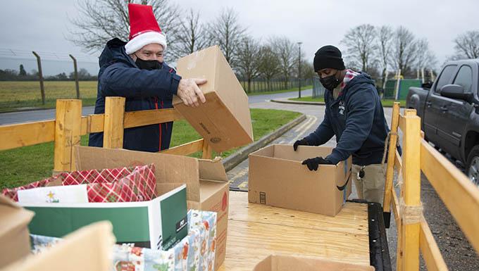 RAF Alconbury and RAF Molesworth communities unite for holiday food drive