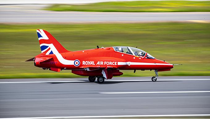 RAF Red Arrows refuel at RAF Fairford
